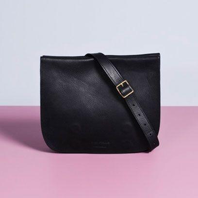 Bag, Leather, Material property, Wallet, Buckle, Shoulder bag, Label, Coin purse,