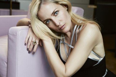 Hair, Blond, Face, Beauty, Hairstyle, Skin, Model, Lip, Long hair, Photo shoot,