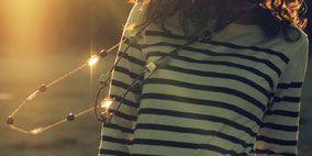 Sleeve, Shoulder, Joint, Collar, Style, Light, Fashion, Neck, Pattern, Street fashion,