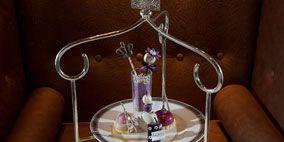 Serveware, Dishware, Drinkware, Tableware, Porcelain, Saucer, Kitchen utensil, Small appliance, Coffee cup, Tea set,