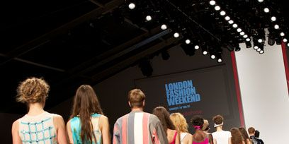 Clothing, Style, Dress, Magenta, Fashion, Fashion show, Waist, Fashion model, Sandal, One-piece garment,