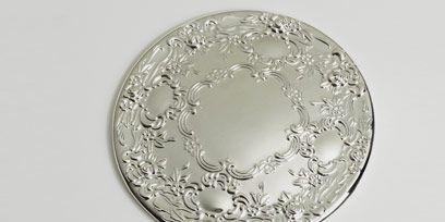 Glass, Tableware, Drinkware, Kitchen utensil, Serveware, Transparent material, Barware, Circle, Stemware, Dishware,