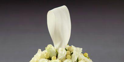 Yellow, Petal, Bouquet, White, Flower, Cut flowers, Flowering plant, Flower Arranging, Beige, Floral design,
