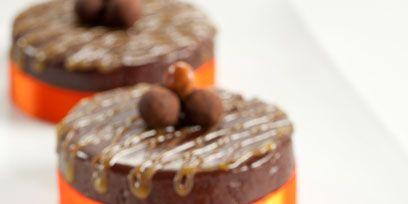 Food, Sweetness, Cuisine, Dessert, Orange, Baked goods, Cake, Chocolate, Amber, Chocolate cake,