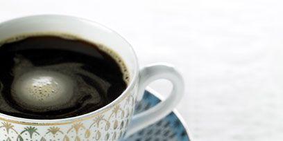 Cup, Coffee cup, Serveware, Dishware, Drinkware, Teacup, Drink, Tableware, Porcelain, Liquid,