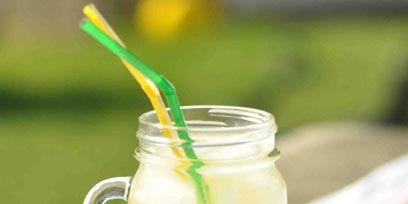 Fluid, Green, Liquid, Drink, Ingredient, Tableware, Juice, Cocktail, Drinkware, Serveware,