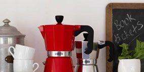Serveware, Product, Dishware, Porcelain, Red, White, Ceramic, Tableware, Pattern, Grey,