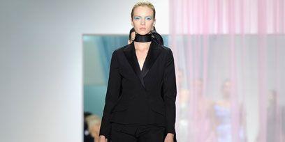 Fashion show, Joint, Outerwear, Style, Formal wear, Runway, Fashion model, Fashion, Blazer, Model,