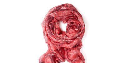 Textile, Carmine, Pattern, Maroon, Stole, Magenta, Wool, Knot, Scarf, Thread,