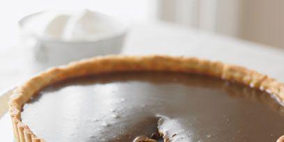 Brown, Food, Serveware, Ingredient, Dishware, Dessert, Dish, Tableware, Pie, Baked goods,