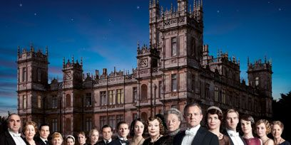 People, Social group, Formal wear, Medieval architecture, Stately home, Mansion, History, Estate, Château, Tower,