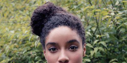 Hairstyle, Eyebrow, Style, Fashion, Beauty, Black hair, Eyelash, Model, Afro, Eye shadow,
