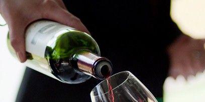 Finger, Drinkware, Glass bottle, Glass, Stemware, Alcohol, Barware, Bottle, Drink, Fluid,