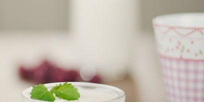 Serveware, Food, Dishware, Ingredient, Sweetness, Tableware, Dessert, Panna cotta, Dish, Garnish,
