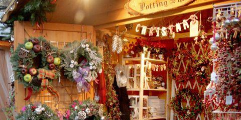 Interior design, Decoration, Serveware, Basket, Home accessories, Christmas decoration, Christmas, Flowerpot, Holiday, Floristry,