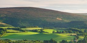 Nature, Natural environment, Green, Natural landscape, Mountainous landforms, Landscape, Plain, Highland, Hill, Field,