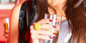 Nail, Drinking, Long hair, Brown hair, Non-alcoholic beverage, Hair coloring, Taste, Aguas frescas,