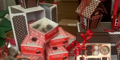Red, Collection, Confectionery, Chocolate, Souvenir, Plastic, Box, Sweetness, Collectable, Food storage containers,