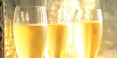 Drinkware, Glass, Stemware, Yellow, Wine glass, Barware, Drink, Alcoholic beverage, Alcohol, Beer glass,