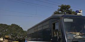 Motor vehicle, Mode of transport, Transport, Automotive tire, Rim, Commercial vehicle, Windscreen wiper, Bus, Automotive parking light, Automotive mirror,