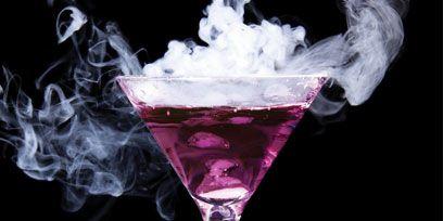 Glass, Liquid, Drinkware, Fluid, Stemware, Tableware, Barware, Alcoholic beverage, Drink, Distilled beverage,