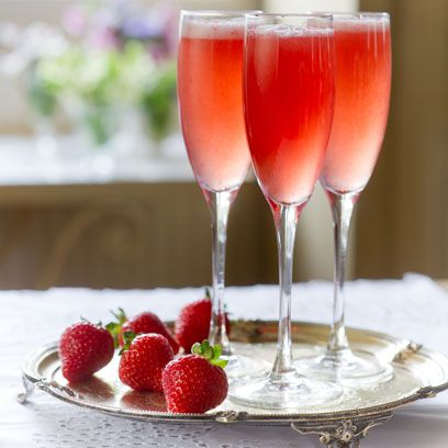 Drink, Food, Champagne cocktail, Strawberry, Strawberry juice, Strawberries, Cocktail, Non-alcoholic beverage, Alcoholic beverage, Juice,