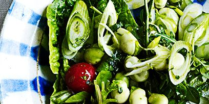 Dishware, Food, Vegetable, Leaf vegetable, Produce, Salad, Ingredient, Natural foods, Plate, Serveware,