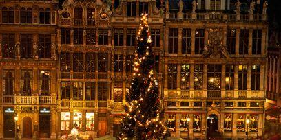 Lighting, Event, Christmas decoration, Christmas tree, Winter, Public space, Tradition, Christmas eve, Christmas ornament, City,