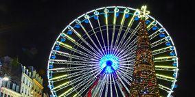 Nature, Ferris wheel, Event, Night, Public space, City, Metropolis, Urban area, Metropolitan area, Landmark,