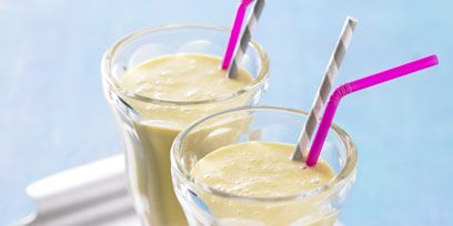 Drink, Drinking straw, Tableware, Health shake, Non-alcoholic beverage, Smoothie, Ingredient, Serveware, Juice, Milkshake,