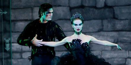 Green, Entertainment, Event, Performing arts, Dancer, Dress, Fashion, Performance, Costume design, Stage,