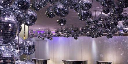 Blue, Decoration, Majorelle blue, Interior design, Cobalt blue, Interior design, Electric blue, Hall, Design, Silver,