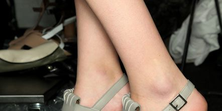 Footwear, Human leg, Joint, Sandal, Pink, Toe, High heels, Foot, Fashion, Tan,