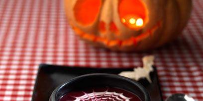 Squash, Calabaza, Food, Jack-o'-lantern, Winter squash, Amber, Pumpkin, Dishware, Gourd, Pattern,