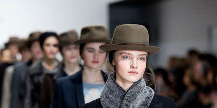 Fashion show, Hat, Coat, Winter, Outerwear, Collar, Style, Jacket, Fashion model, Street fashion,