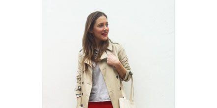 Sleeve, Shoe, Textile, Photograph, Bag, Outerwear, Collar, Coat, Style, Khaki,
