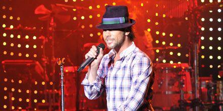Hat, Shoe, Music, Entertainment, Facial hair, Music artist, Artist, Musician, Sun hat, Pop music,