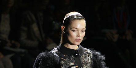 Textile, Fashion show, Style, Fur clothing, Fashion, Hair accessory, Street fashion, Fashion model, Headpiece, Fur,