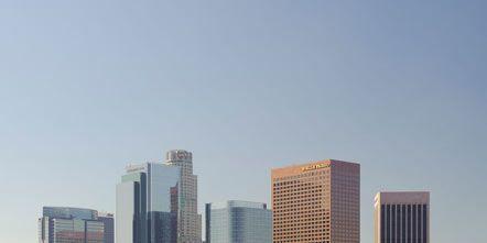 Tower block, Metropolitan area, Daytime, Urban area, Metropolis, City, Architecture, Neighbourhood, Property, Facade,