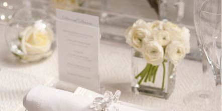 Dishware, Serveware, Napkin, Cut flowers, Natural material, Bouquet, Flower Arranging, Ivory, Wedding ceremony supply, Bridal accessory,