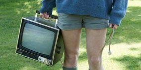 Human leg, Joint, Display device, Shorts, Denim, T-shirt, Boot, Knee, Television set, Calf,