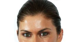 Hair, Face, Head, Ear, Nose, Lip, Earrings, Hairstyle, Skin, Chin,