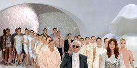 Human, People, Trousers, Standing, Formal wear, Style, Fashion, Fashion model, Winter, Fashion show,