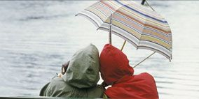 Nature, Human body, Bench, Outdoor furniture, Comfort, Sitting, Leisure, Outdoor bench, Umbrella, People in nature,