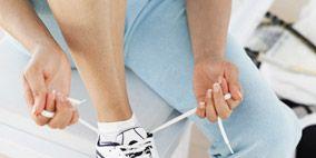 Finger, Human leg, Joint, Elbow, White, Sportswear, Knee, Athletic shoe, Thigh, Fashion,