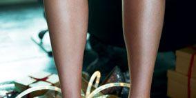 Finger, Human leg, Joint, Nail, Pattern, Fashion, Toe, Foot, Close-up, Metal,