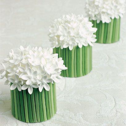 White, Green, Flower, Artificial flower, Plant, Floral design, Vase, Floristry, Cut flowers, Bouquet,