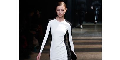 Shoulder, Dress, Fashion show, Joint, Style, Runway, Fashion model, Waist, Fashion, Street fashion,