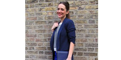 Sleeve, Joint, Outerwear, Standing, Style, Street fashion, Knee, Fashion, Brick, Electric blue,