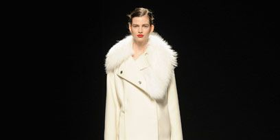 Clothing, Sleeve, Shoulder, Joint, Outerwear, Style, Fashion model, Fashion show, Dress, Knee,